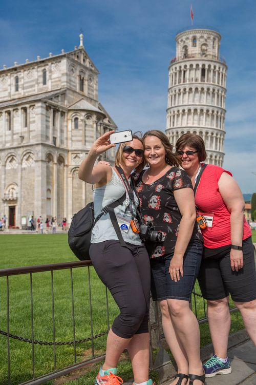 3 demos Pisa